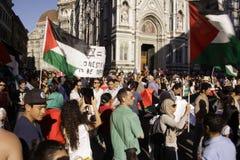 Αντι-ισραηλινή διαμαρτυρία στο στρατιωτικό χτύπημα του Γάζα τελών Στοκ φωτογραφία με δικαίωμα ελεύθερης χρήσης