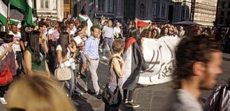 Αντι-ισραηλινή διαμαρτυρία στο στρατιωτικό χτύπημα του Γάζα τελών Στοκ εικόνες με δικαίωμα ελεύθερης χρήσης