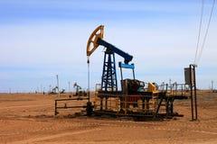 αντλία πετρελαίου γρύλω&n Στοκ εικόνα με δικαίωμα ελεύθερης χρήσης