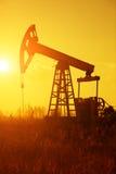 αντλία πετρελαίου silhoutte Στοκ Φωτογραφίες