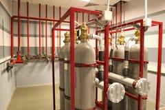 Αντλώντας πυρκαγιά στη δυνατότητα, η βάση πετρελαίου πυρκαγιά βιομηχανική Στοκ Εικόνες