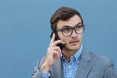 Ανυπόμονος επιχειρηματίας που καλεί τηλεφωνικώς Στοκ Φωτογραφία