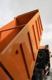 ανυψωμένο απόρριψη truck Στοκ εικόνες με δικαίωμα ελεύθερης χρήσης
