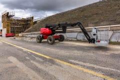 Ανυψωτική πλατφόρμα στην κατασκευή μιας γέφυρας στην Ισπανία στοκ φωτογραφίες με δικαίωμα ελεύθερης χρήσης