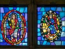 ΑΝΩΤΕΡΟ DICKER, ΑΝΑΤΟΛΙΚΟ ΣΑΣΣΕΞ UK - 26 ΙΟΥΝΊΟΥ: Λεκιασμένα παράθυρα β γυαλιού Στοκ Εικόνες