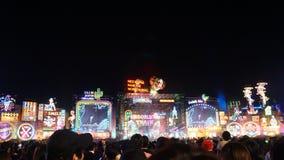 Ανώτατη υπαίθρια σκηνή σε SEKAI ΚΑΜΊΑ συναυλία OWARI, τραίνο Insomina στοκ εικόνα