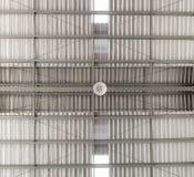 Ανώτατος λαμπτήρας αποθηκών εμπορευμάτων βιομηχανικού κτηρίου στοκ εικόνες