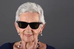 ανώτερα γυαλιά ηλίου γυναικών wlth Στοκ Εικόνες
