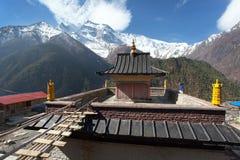 Ανώτερα Pisang, άποψη του gompa και Annapurna 2 ΙΙ Στοκ Εικόνα