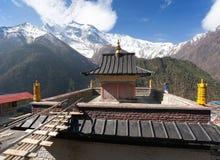 Ανώτερα Pisang, άποψη του gompa και Annapurna 2 ΙΙ Στοκ εικόνες με δικαίωμα ελεύθερης χρήσης