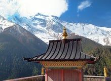 Ανώτερα Pisang, άποψη του gompa και Annapurna 2 ΙΙ Στοκ Φωτογραφίες