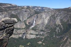 Ανώτερες πτώσεις Yosemite στο εθνικό πάρκο Yosemite Στοκ φωτογραφίες με δικαίωμα ελεύθερης χρήσης