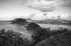 Ανώτερη άποψη σχετικά με τον κόλπο concha από το igueldo monte σε γραπτό Στοκ φωτογραφίες με δικαίωμα ελεύθερης χρήσης