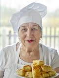 ανώτερη γυναίκα μαγείρων Στοκ εικόνα με δικαίωμα ελεύθερης χρήσης