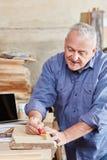 Ανώτερη ξυλουργική ατόμων στοκ φωτογραφία με δικαίωμα ελεύθερης χρήσης