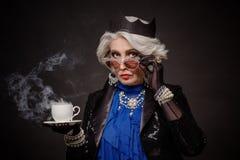 Ανώτερη πλούσια γυναίκα Στοκ φωτογραφία με δικαίωμα ελεύθερης χρήσης