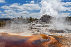Ανώτερη geyser λεκάνη, εθνικό πάρκο Yellowstone, Ουαϊόμινγκ, Ηνωμένες Πολιτείες της Αμερικής Στοκ Εικόνες