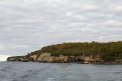 Ανώτεροι απεικονισμένοι βράχοι λιμνών Στοκ Εικόνα