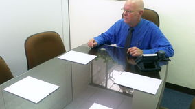 Ανώτερος υπάλληλος στη συνεδρίαση που υποβάλλει την ερώτηση φιλμ μικρού μήκους