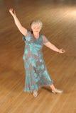 Ανώτερος χορός αιθουσών χορού γυναικών στοκ εικόνες με δικαίωμα ελεύθερης χρήσης