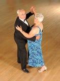 Ανώτερος χορός αιθουσών χορού ζευγών Στοκ φωτογραφία με δικαίωμα ελεύθερης χρήσης