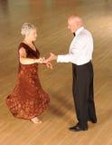 Ανώτερος χορός ζευγών   στοκ εικόνες