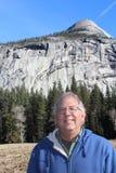 Ανώτερο άτομο στο εθνικό πάρκο Καλιφόρνια Yosemite Στοκ Εικόνα