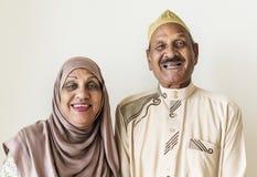 Ανώτερο μουσουλμανικό ζεύγος στο σπίτι Στοκ Εικόνες