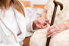Ανώτερο χέρι γυναικών στοκ φωτογραφία
