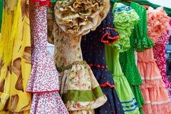 Ανδαλουσιακά φορέματα τσιγγάνων σε μια σειρά στην Ισπανία Στοκ εικόνες με δικαίωμα ελεύθερης χρήσης