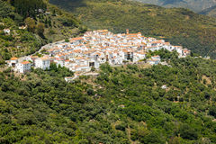 Ανδαλουσιακό χωριό (Pueblos Blancos) Sierra de las Nieves, Μάλαγα, Ισπανία Στοκ Φωτογραφίες