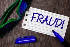 Απάτη κειμένων γραψίματος λέξης κινητήρια κλήση Επιχειρησιακή έννοια για την εγκληματική εξαπάτηση για να πάρει το οικονομικό ή π Στοκ εικόνες με δικαίωμα ελεύθερης χρήσης