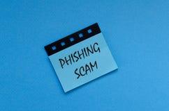 Απάτη Phishing στην αυτοκόλλητη ετικέττα στοκ φωτογραφίες