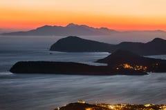 Απίστευτο ηλιοβασίλεμα πέρα από την αδριατικά θάλασσα και τα νησιά Στοκ Φωτογραφία