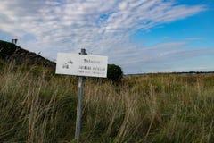 Απαγορευμένο σημάδι στην παραλία Στοκ εικόνα με δικαίωμα ελεύθερης χρήσης