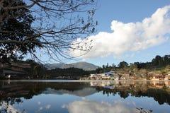 Απεικονίστε του λόφου και του σπιτιού στοκ φωτογραφία με δικαίωμα ελεύθερης χρήσης