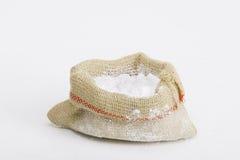 Απεικόνιση της κονιοποιημένων ζάχαρης ή των φαρμάκων στην τσάντα καμβά Στοκ φωτογραφία με δικαίωμα ελεύθερης χρήσης