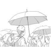 Απεικόνιση του πλήθους των ανθρώπων με τα παλτά βροχής και των ομπρελών σε γραπτό Στοκ Φωτογραφίες