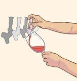Απεικόνιση των αρσενικών χεριών που χύνουν το κόκκινο κρασί από τη βρύση Στοκ Φωτογραφία