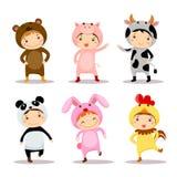 Απεικόνιση των χαριτωμένων παιδιών που φορούν τα ζωικά κοστούμια Στοκ Εικόνες