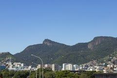 Απελευθερωτής Χριστού που βλέπει από μακρυά στο Ρίο ντε Τζανέιρο, Βραζιλία Στοκ φωτογραφίες με δικαίωμα ελεύθερης χρήσης