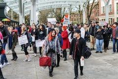 Απεργία αντι-εγκαινίασης στο πανεπιστήμιο της Πολιτείας του Όρεγκον Στοκ Φωτογραφία