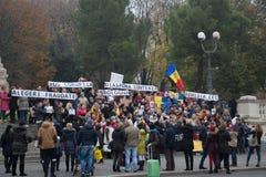 Απεργία στις 20 Νοεμβρίου 2016 Οι πολίτες διαμαρτύρονται ενάντια στην αγορά σε ένα τετράγωνο _ Ιταλία στοκ φωτογραφίες
