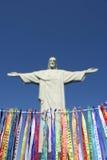 Απελευθερωτής Corcovado Χριστού κορδελλών επιθυμίας του Ρίο καρναβάλι Στοκ Εικόνες
