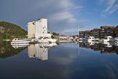 αποβάθρα ελεύθερου χρόνου βαρκών Στοκ Φωτογραφίες