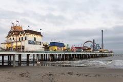 Αποβάθρα ευχαρίστησης νησιών Galveston στο σούρουπο Στοκ Φωτογραφίες