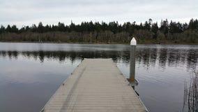 Αποβάθρα λιμνών Στοκ φωτογραφία με δικαίωμα ελεύθερης χρήσης