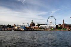 Αποβάθρα με τη ρόδα Ferris Στοκ φωτογραφία με δικαίωμα ελεύθερης χρήσης