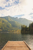 Αποβάθρα σε μια καναδική λίμνη Στοκ φωτογραφία με δικαίωμα ελεύθερης χρήσης