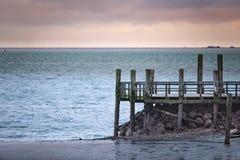 Αποβάθρα στην παραλία Wyk στο γερμανικό νησί Foehr τον κρύο Νοέμβριο στοκ φωτογραφία με δικαίωμα ελεύθερης χρήσης